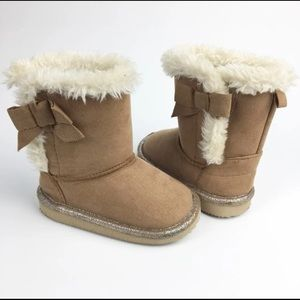 Other - Fuzzy Boots 5 Baby Toddler Girl - Like Uggs